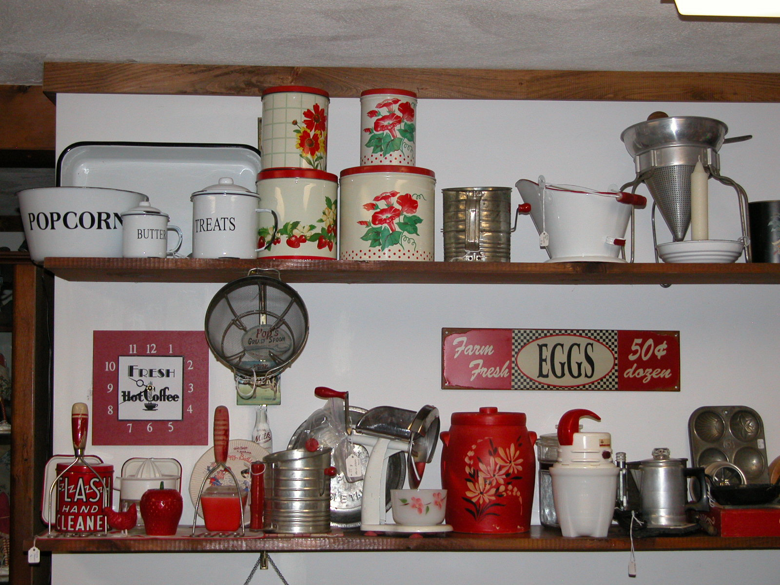 decorate your kitchen with old and new signs tinware yellowware old